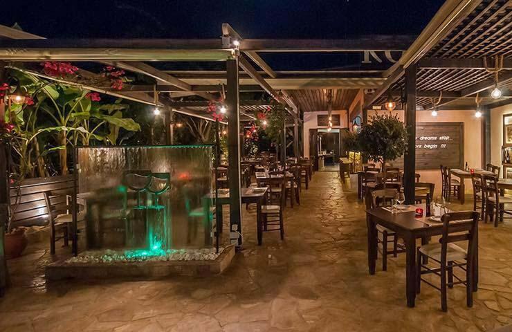 Chania Restaurant Yard - Koupes
